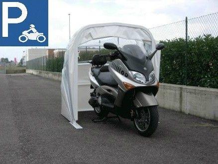 Garage de protection abri moto bache housse for Bache moto exterieur